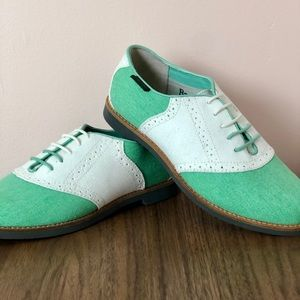 GH Bass & Co. Green and White Women's Oxfords